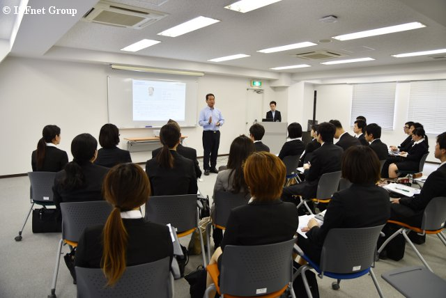 20150518_New-graduates-Briefing_03